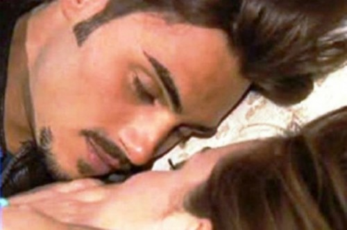 teresanna francesco bacio uomini e donne puntata 500x332 Teresanna Pugliese e Francesco Monte: ma quale crisi!